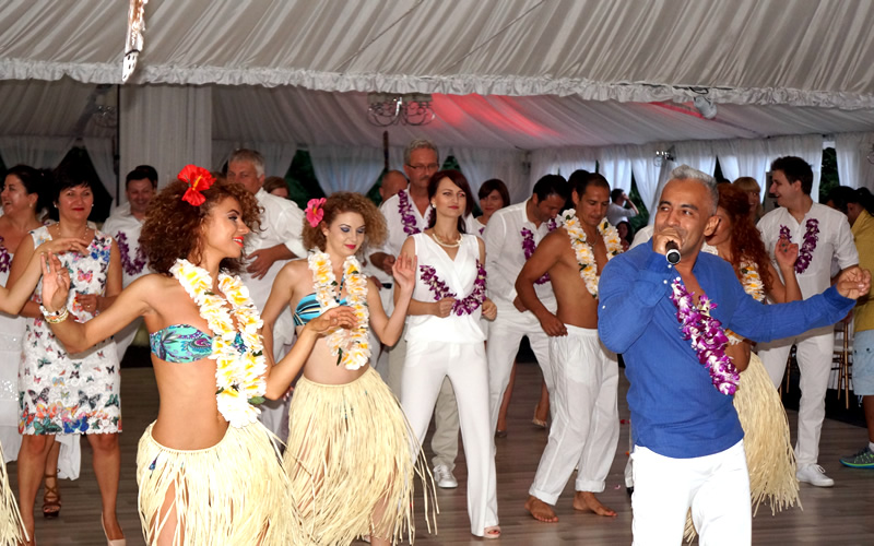 Hawaiian party by Wilmark dansatori profesionisti
