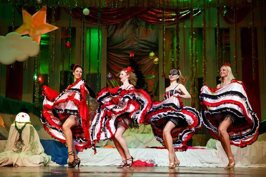trupa wilmark dansatoare cabarat artiste burlesque animatoare petreceri private